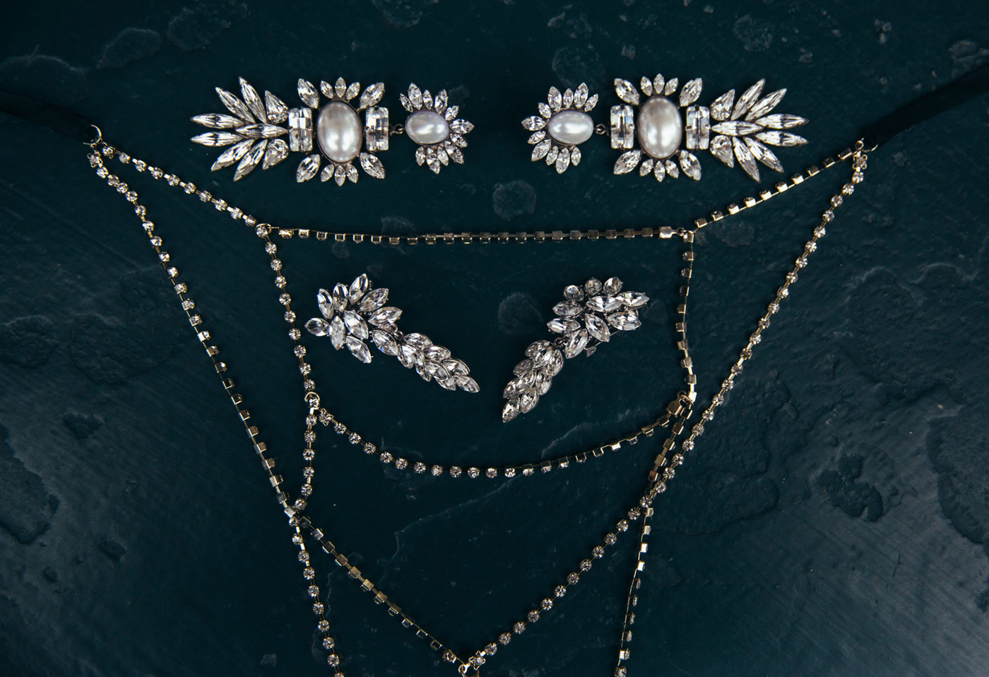 Diamond earring and necklaces for the bride to wear