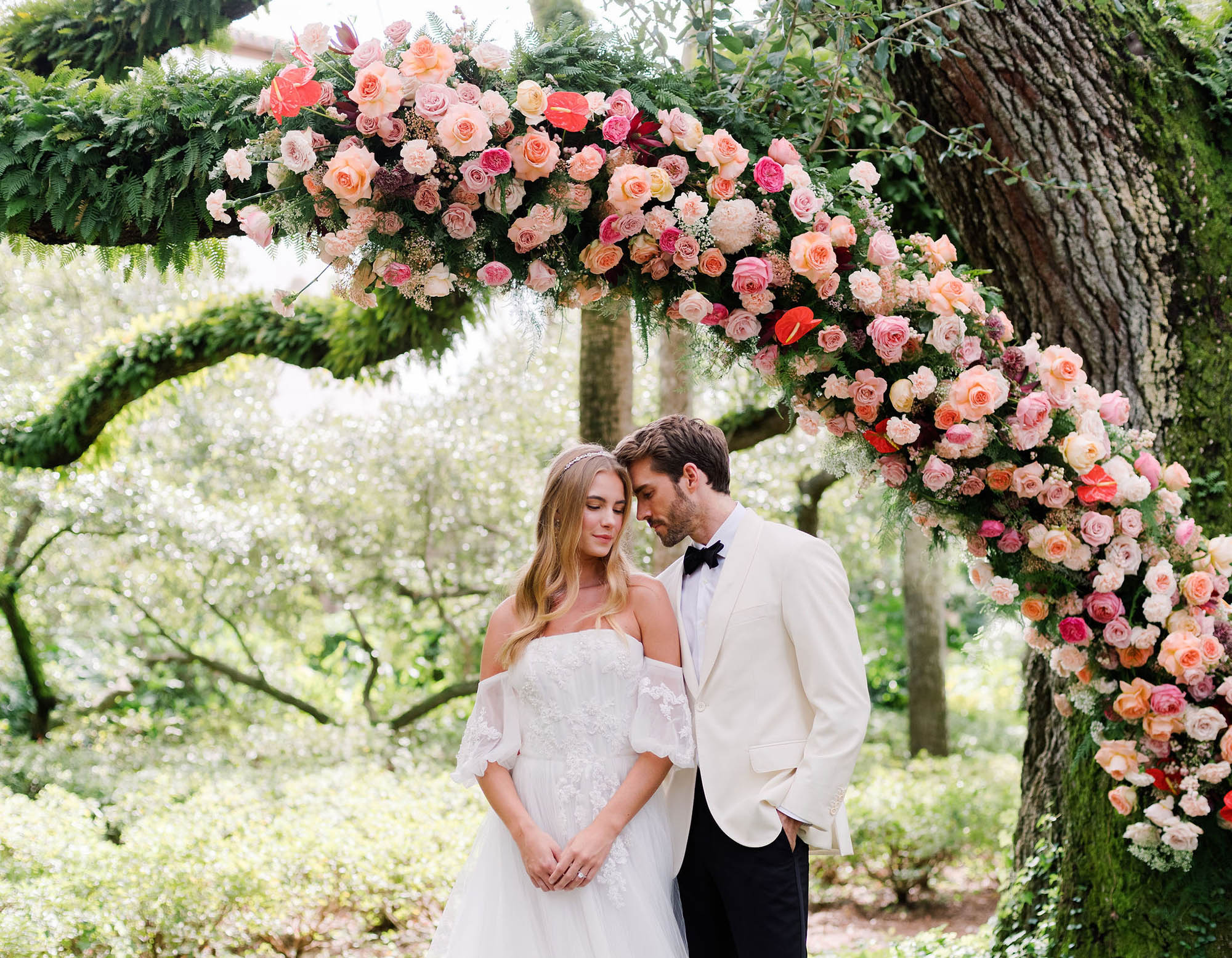 The Cost of Wedding Flowers – How Much You'll Spend